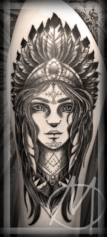 squaw, black & grey, feather, federkrone, indianderin, tattoo