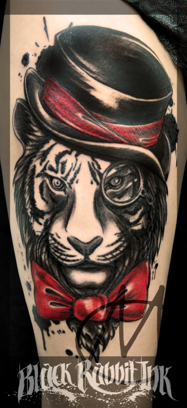tattoo, tiger, black and grey, zylinder, monockel