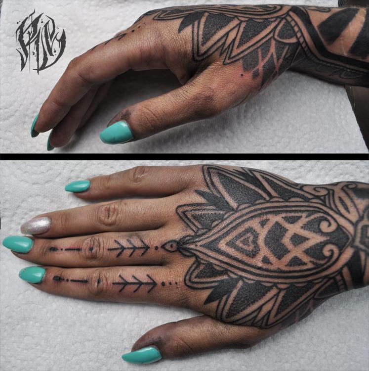 Tattoo, supreme, handtattoo, blackrabbitink tattoo, münchen, shameyabc