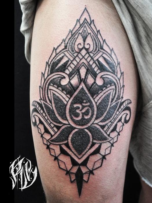 Linework, tätowierer tattooart linientattoo mandala black rabbit ink tattoostudio münchen, isar, wiesn, ralf spitzer artworld