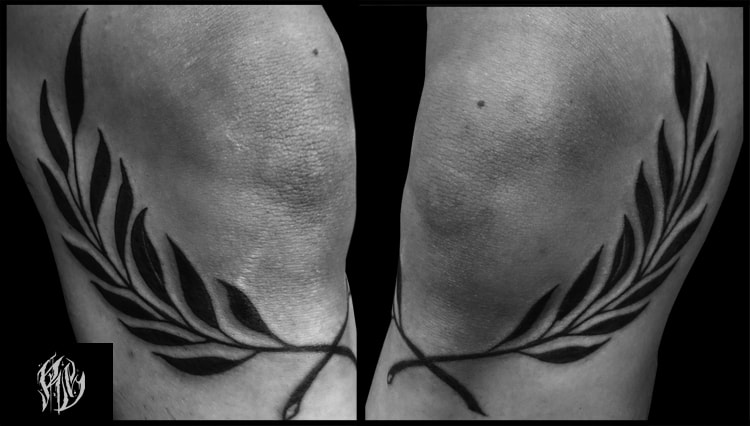 Lohrbeeren, Tattoo, tattoostudio, linetattoo, kunst art, knietattoo, blackrabbitink